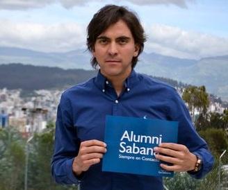 Menú superior perfiles Alumni graduados en el exterior Juan David Bernal unisabana