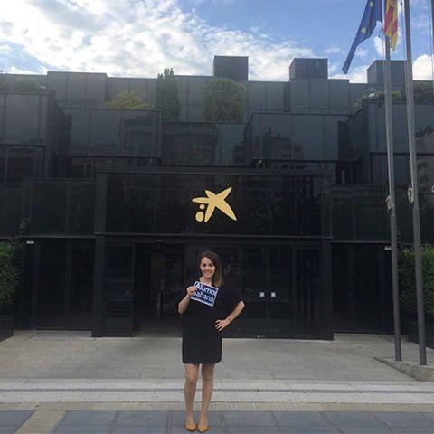 Menú superior perfiles Alumni graduados en el exterior Paula Lagos unisabana