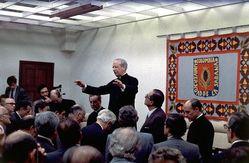La universidad opus dei pagina principal beato alvaro del portillo primer gran canciller de la universidad predicando