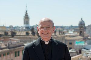 monsenor fernando ocariz obispo prelado y gran canciller de la universidad de la sabana