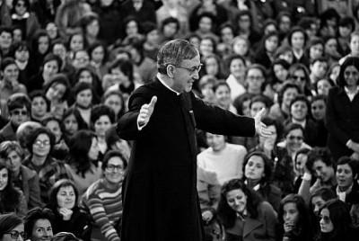La universidad opus dei san josemaria escriva el fundador del opus dei