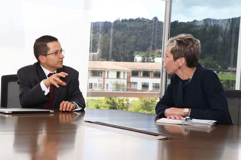 El Carter Center y La Sabana renuevan acuerdo para combatir el estigma en la salud mental. Encuentro con el decano de Medicina. Unisabana
