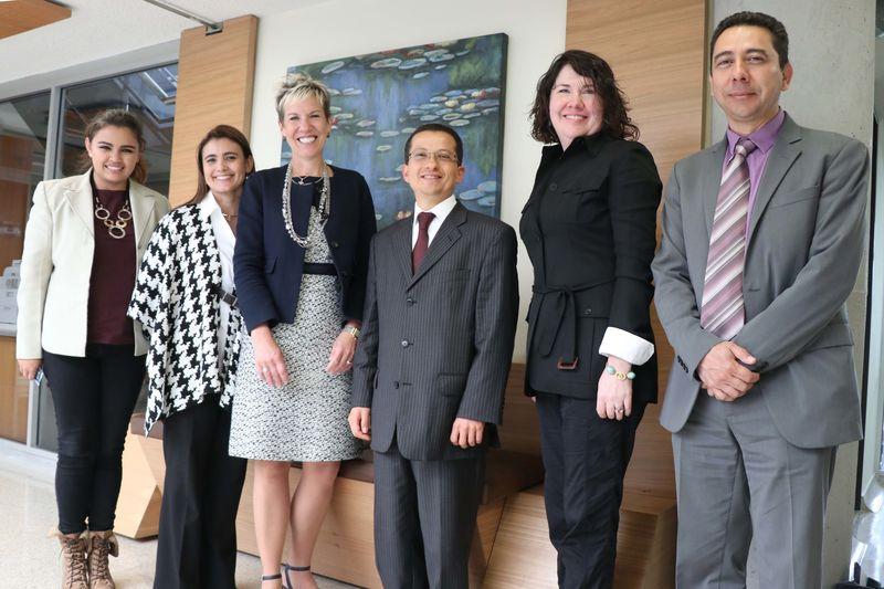 Durante el encuentro con la delegación del Carter Center