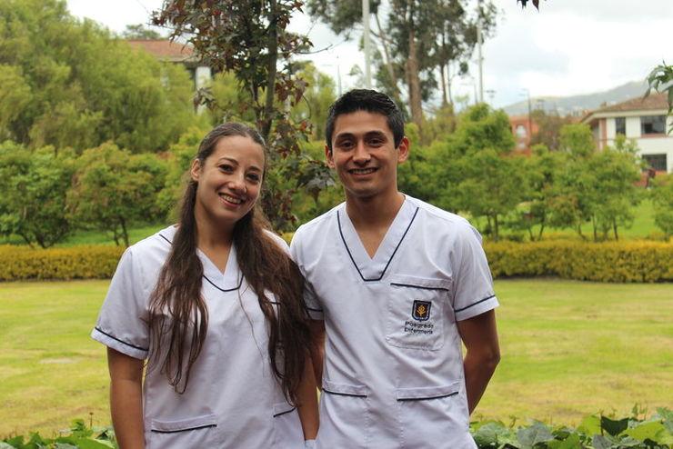 Enfermeros argentinos de la Clínica Universidad Austral cursan Especialización en Enfermería en Cuidado Crítico.