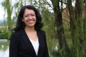 Profesora Laura Clemencia Ruiz