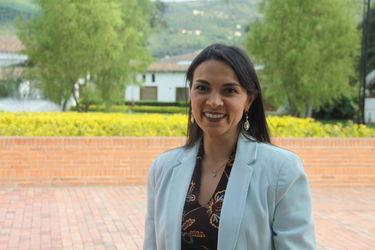 Hilba Guzmán - Directora del Programa de Comunicación Corporativa