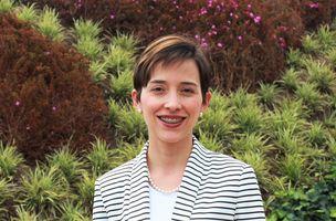 Enfermera Gloria Carvajal Carrascal. Directora de Profesores e Investigación