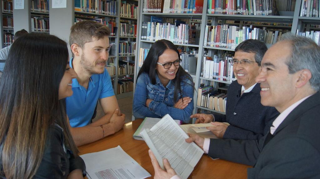 Nuestro equipo - Facultad de Comunicación