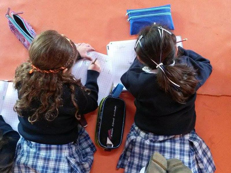 Durante las prácticas de la facultad de Educación