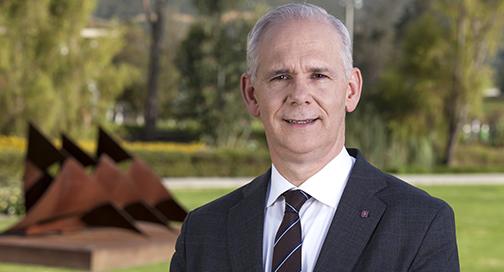 Reelegido rector, Obdulio Velásquez Posada, para un nuevo trienio