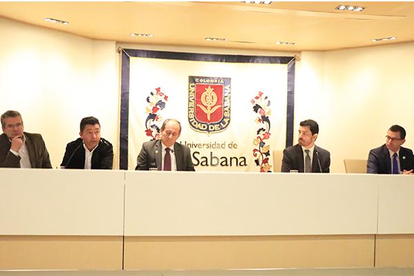Alcaldes participantes en la Presentación de la Primera Encuesta de Percepción Ciudadana.