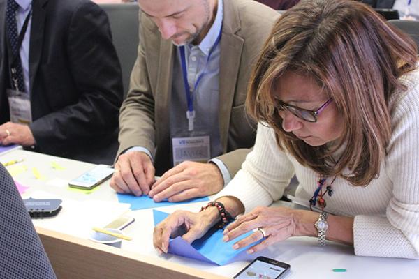 profesores participando en semana de inmersión tecnologica